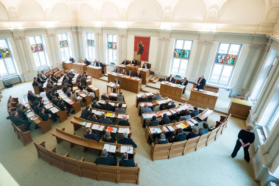 KantonGL_Landratssitzung.jpg